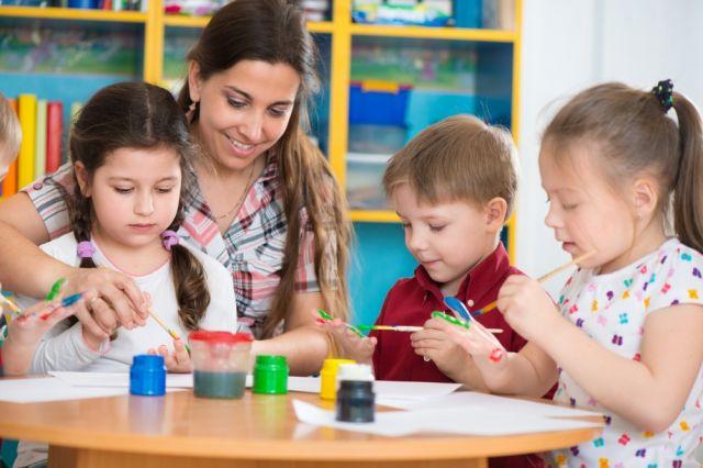 "<a href=""https://rioschools.org/programs/neighborhood-for-learning/"">Neighborhood for Learning</a>"